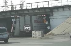 В Пензе очередной грузовик стал жертвой «моста глупости»