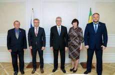 Белозерцев провел встречу с участниками губернаторских выборов