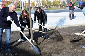 Иван Белозерцев принял участие в субботнике