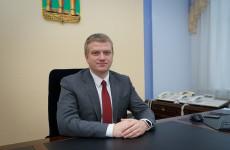 Андрей Лузгин поздравил с праздником пензенских учителей