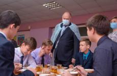«Единая Россия» держит под жестким контролем вопрос питания школьников
