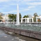 В Пензе из-за теплой погоды продолжает работать обновленный фонтан