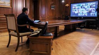Единороссы начали разрабатывать программу партии к выборам в Госдуму