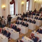 Делят портфели: в Законодательном собрании могут смениться четыре депутата