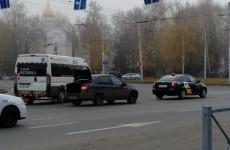 На проспекте Победы в Пензе «Гранта» влетела в «Яндекс.Такси»