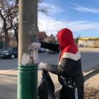 На одной из пензенских улиц очистили от объявлений фонарные столбы