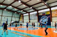 В Пензе спортсмены с нарушением слуха поучаствовали в турнире по волейболу