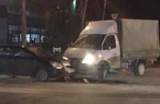 Жесткое ДТП в Пензе: легковушка столкнулась с фургоном
