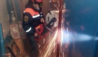 Жительница Пензы оказалась в бетонной ловушке вместе с больным сыном