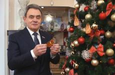 Члены «Единой России» исполняют мечты детей по всей стране