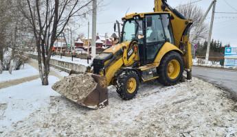 В Пензенской области каждый день дороги регионального значения убирают более 30 спецмашин