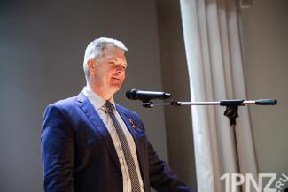 Депутат Самокутяев устал от праздников