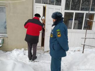 В Пензе рассказали о пожарной безопасности жителям поселка Заря