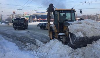 За последние сутки с улиц Пензы вывезли более 4 тысяч кубометров снега