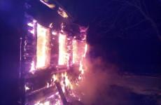 В Пензенской области огонь полностью уничтожил жилой дом