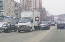В Пензе кроссовер столкнулся с грузовой «ГАЗелью»