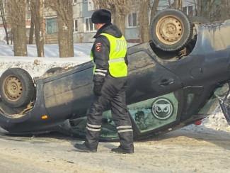 В Арбеково машина перевернулась на крышу