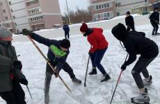 В Железнодорожном районе Пензы определили лучшую хоккейную команду