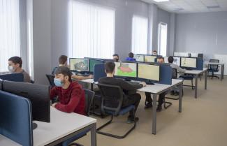 На базе предприятия «СтанкоМашСтрой» провели занятие для студентов