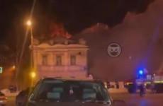 В Пензе попало на видео полыхающее здание военного госпиталя