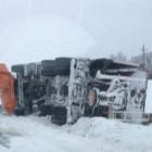 В Пензенской области угодила в аварию снегоуборочная машина