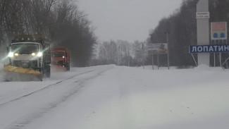 В Пензенской области 170 спецмашин очищают дороги от снега