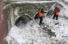 В Пензенской области начали очистку труб для отвода талых вод
