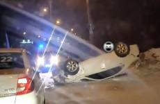В Пензе ночью машина проехалась на собственной крыше