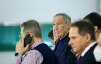 В Пензу приехал легендарный теннисист Шамиль Тарпищев