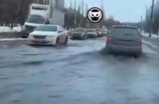«Бесплатная мойка». В Пензе затопило улицу Тернопольскую. ВИДЕО
