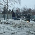 В Пензенской области легковушка протаранила ограду кладбища и перевернулась