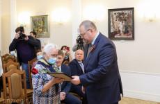 Пензенские ветераны получили жилищные сертификаты