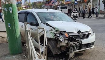 В Пензе разбился автомобиль «Яндекс.Такси». ФОТО