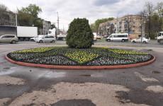 У Монумента воинской славы пензенцев высадят около 7,5 тысяч цветов