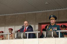 В Пензе Олег Мельниченко поздравил с Днём Победы курсантов артиллерийского института