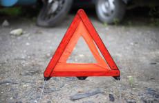 В Пензенской области внедорожник столкнулся с грузовиком, есть пострадавший