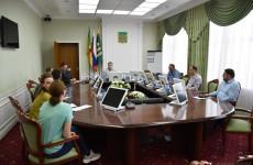 Мэр города Андрей Лузгин встретился с местными зоозащитниками