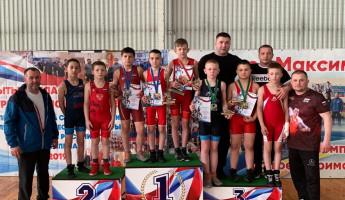 Борцы из Пензенской области завоевали 5 медалей на межрегиональном турнире