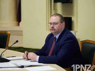Сам назначил, сам уволил. Что происходит с кадровой политикой Мельниченко?