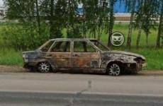 В селе под Пензой огонь уничтожил легковой автомобиль