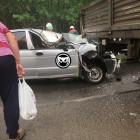 Страшная авария в Пензе: легковушка влетела под грузовик