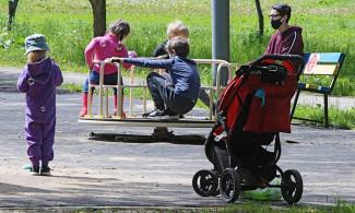 Единороссы создали комплексную систему поддержки семей с детьми
