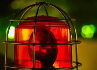 В Заречном иномарка влетела в фонарный столб: есть пострадавший