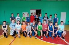 В Пензе сразились в стритбол дворовые команды Железнодорожного района