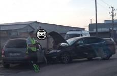 На улице Рябова в Пензе столкнулись две легковушки