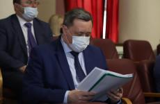 Они у нас совсем бедные?! Мельниченко требует вернуть долги застройщиков области