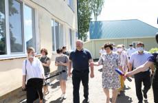 После визита Мельниченко в Никольском районе отремонтируют два детсада, ДК и школу