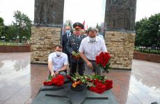 Валерий Лидин почтил память пензенцев, погибших при исполнении воинского долга