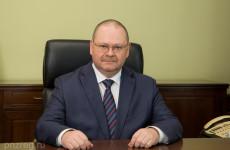 Олег Мельниченко поздравил сотрудников ГИБДД с профессиональным праздником