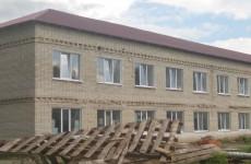 В Тамалинском районе идут работы по ремонту участковой больницы